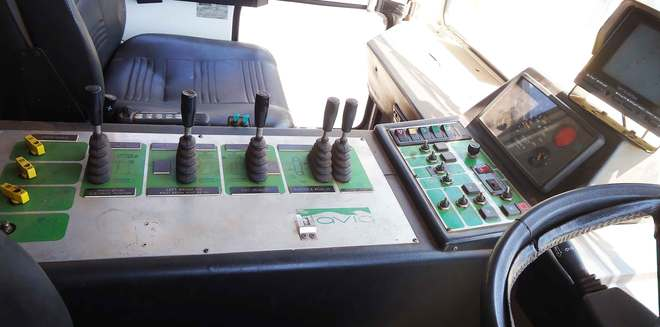 Display_8179_insidecab2